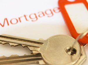 4 Factors to Consider When Buying a House